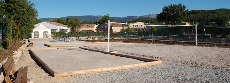 La résidence Les Bastides de Fayence - Tourettes - Vacancéole - Terrain multisports